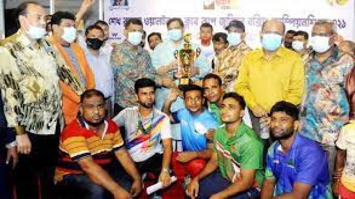 দুই দিনব্যাপী প্রতিযোগিতায় ৩৫টি ক্লাবের ১২০জন বক্সার ৬টি ওজন শ্রেণিতে অংশগ্রহণ করেন